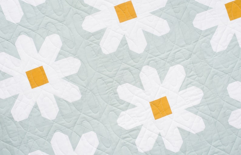 PRINTED Fresh as a Daisy Quilt Pattern image 0