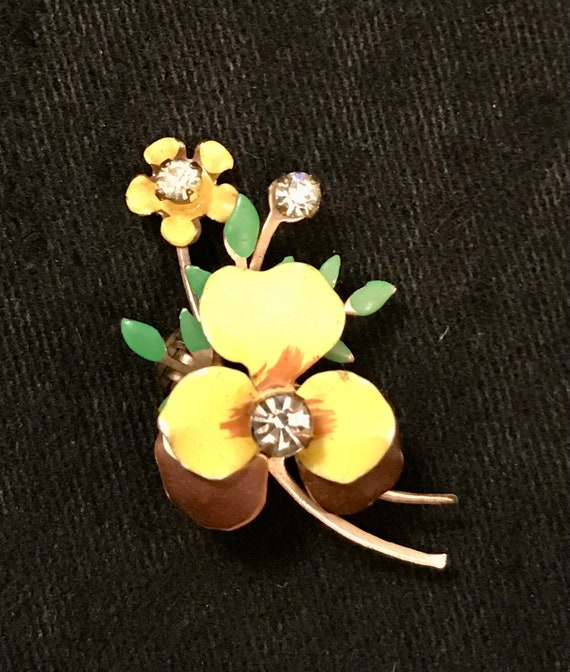 Vintage 50s Pansy Pin or Brooch – Enamel on Brass… - image 1