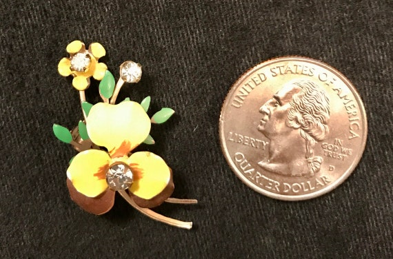 Vintage 50s Pansy Pin or Brooch – Enamel on Brass… - image 2