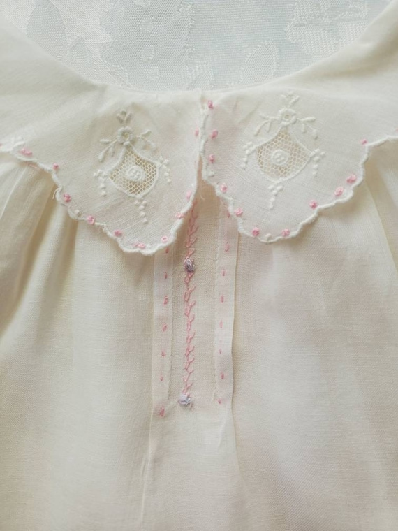 Vintage hand made baby dress   1950s   0 to 6 months  hand smocked and embroidered  summer baby dress  lace trim scallop hem