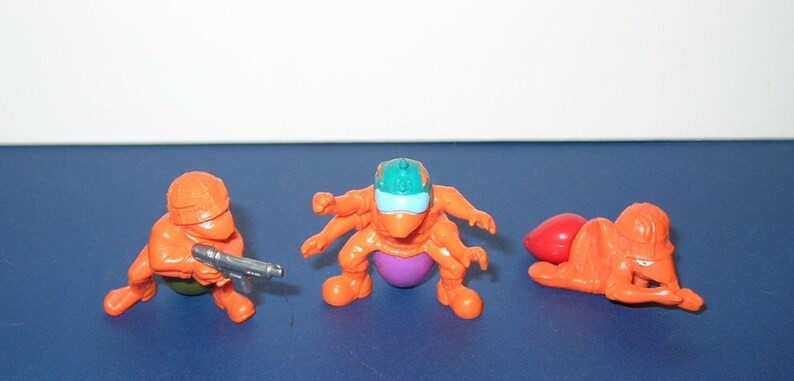Vintage Lot of 3 Orange Hasbro Army Ant Figures