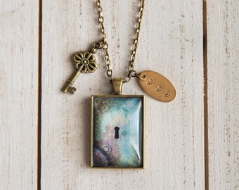 Mothers Day, Mothers Day Gift, Key Necklace, Keyhole Necklace, Keyhole Pendant, Stamped Charm, Vintage Jewelry