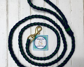 Navy and Hunter paracord leash