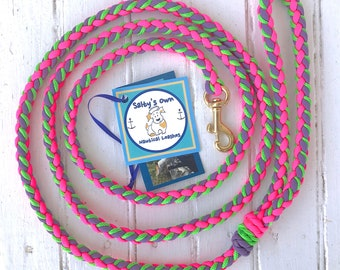 "Deluxe Small Dog Paracord Leash ""Fresh Flowers"""