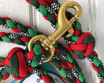 The Holly and the Ivy Small Dog and Puppy paracord Leash