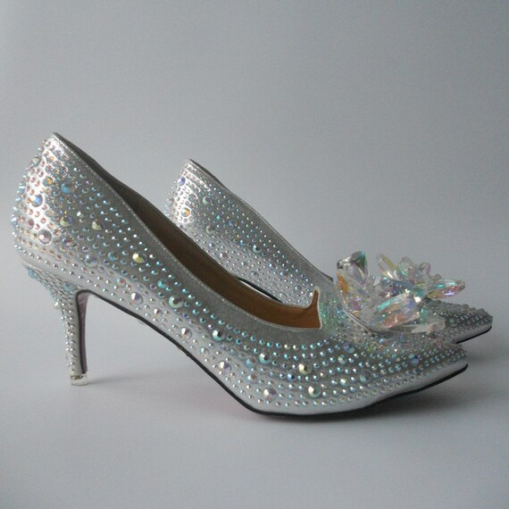 5229a6aef15b Handmade Rhinestones Women Wedding Shoes Low Heels Pointed