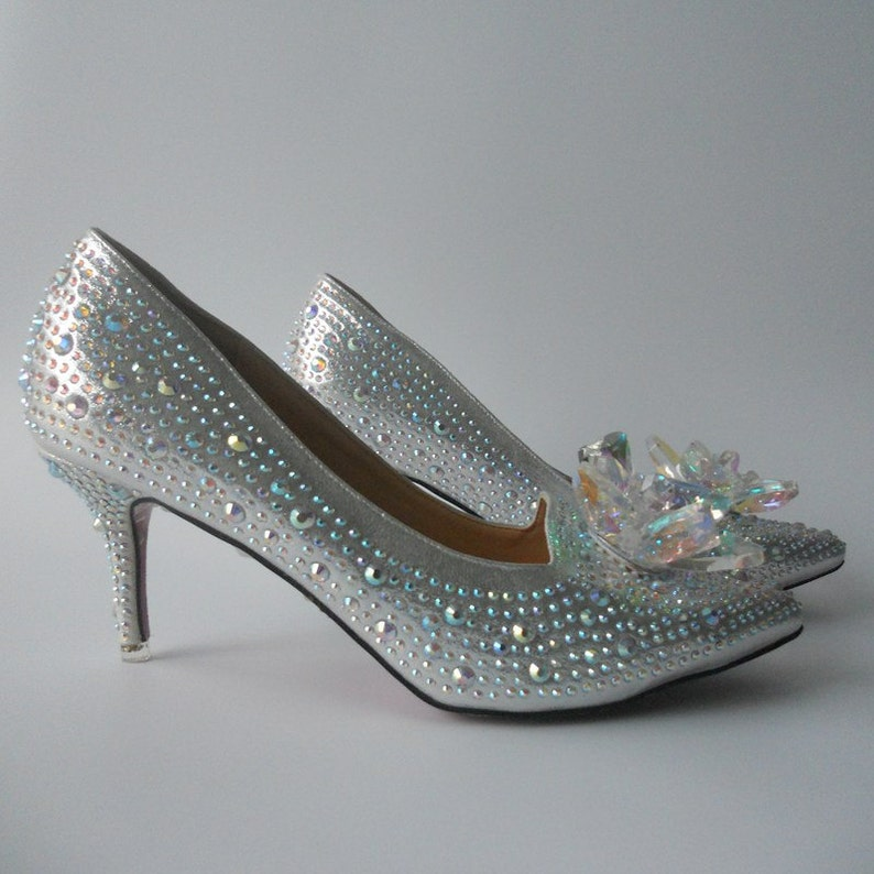 b1553b7784 Handmade Rhinestones Women Wedding Shoes Low Heels Pointed Toes Crystal  Bridal Shoes Bling Cinderella Shoes Plus Size Eu35-EU42.5