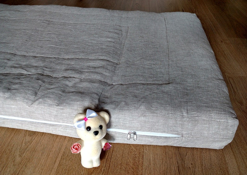 4 inches 10cm 4Natural Flax crib mattress Eco friendly flax and cotton filled baby mattress covered natural linen.Thickness