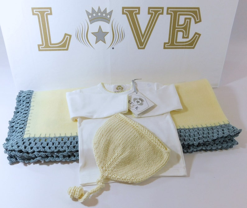 Baby Blanket Gift Set Yellow Fleece Blanket w Blue Trim Pima Cotton T-Shirt Knitted Cotton Hat Unisex KFGK knits One of a Kind! 3 mo