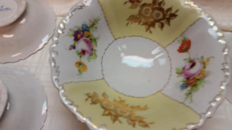 TV Movie Prop Set of 7 Bowls Goodfriend Porcelain Spain Porcelain Floral White Yellow 24K Gold, Serving Dining Decor Soup Salad Dessert
