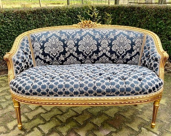 French Settee Vintage Furniture Blue Damask Fabric Fully Refinished Baroque Furniture Rococo Interior Design Vintage Sofa Tufted Cushion