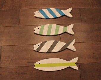 SET OF 4 - Wooden Fish - Wooden Painted Fish - Set of Four
