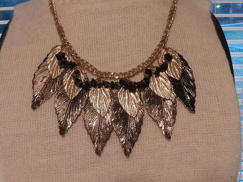 costume 1960  bib gold and black metal adjustable 18 long leaf neckalce beautiful vintage