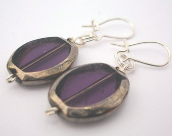 Earring Silver-colored framed transparent violet glass bead, old-acting, nostalgic, old lady look, also called earrings
