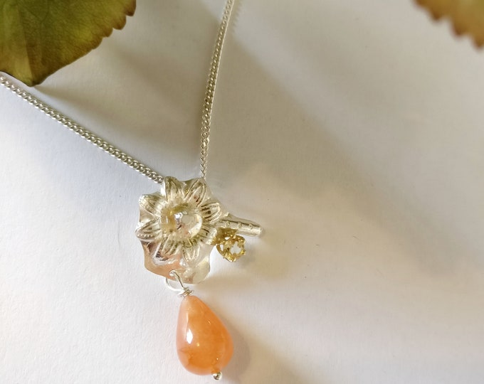 pendant ORANGE FLOWER.