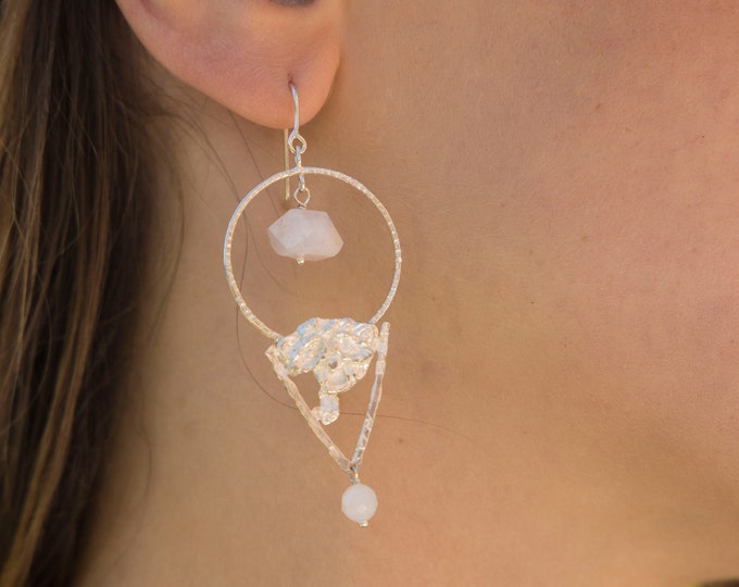 Silver NEFERTITI earring.