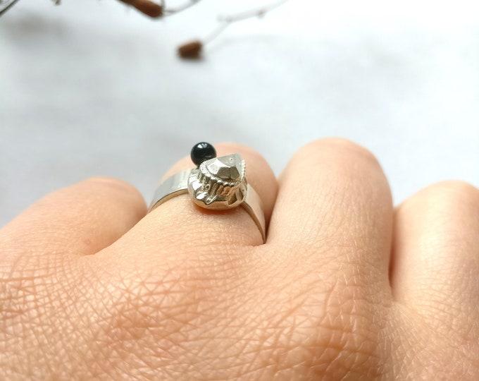 ONYX PERA ring.