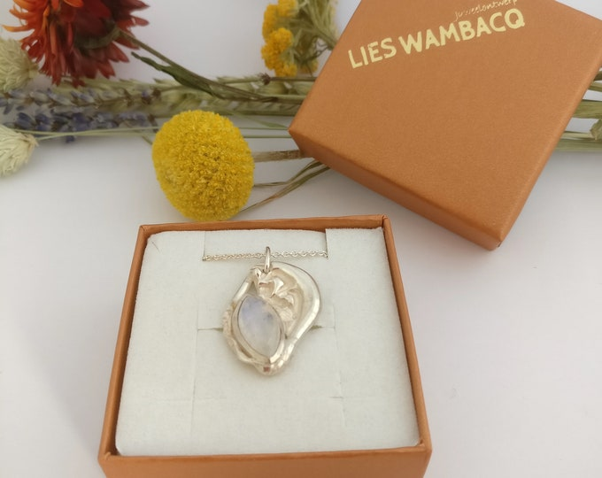 MOONSTONE MARQUISE necklace