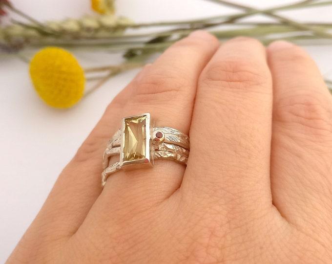 ring GOLD BERYL and GARNET.