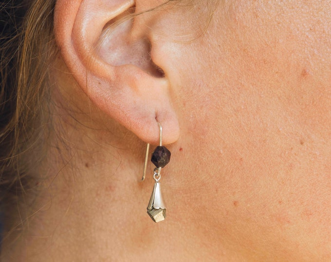 Earring THALIA with GARNET and PYRITE .