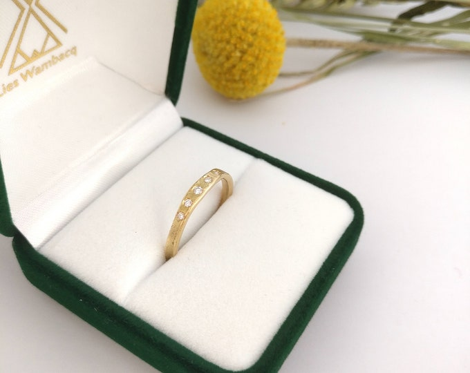 FRIDA  18K yellow gold ring.