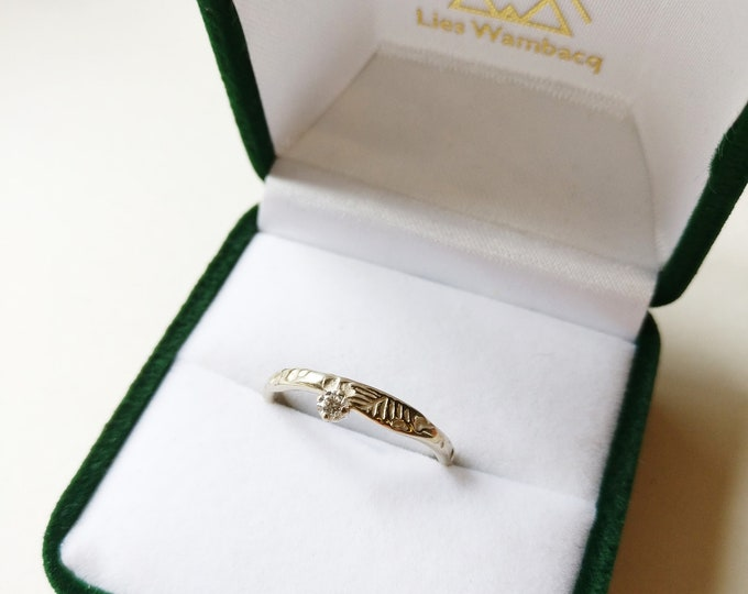 18K white golden EVA ring