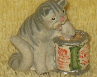 Dollhouse Miniature Lot of 20 Animals Cats and Bunnies Hand Painted Peter Fagan