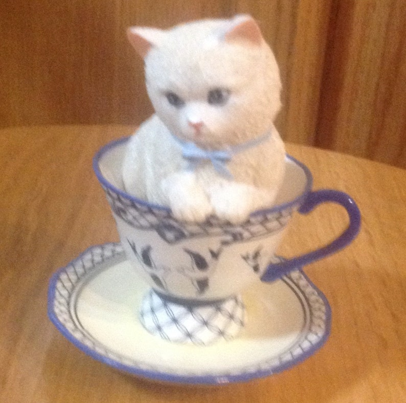Hamilton cat Brewed to purr-fecton