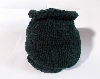 snood in pine green acrylic yarn