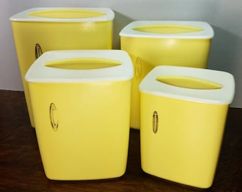 Vintage Rubbermaid Pastel Yellow Nesting Canister Set of (4)