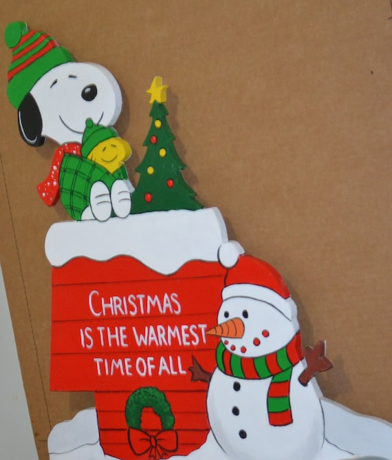 Snoopy And Woodstock Christmas.Snoopy Woodstock At Christmas Winter Snow Man Dog House Snowman Christmas Tree