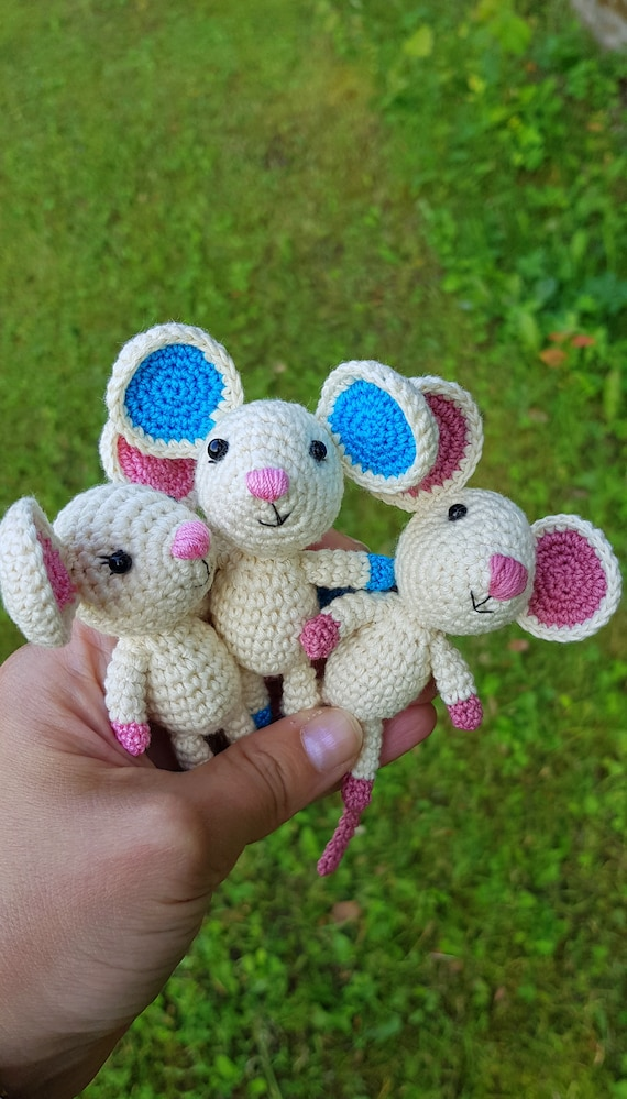 Best 12 Crochet Keychain Mouse Pattern Amigurumi Cute mouse ... | 999x570