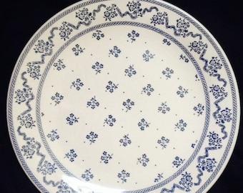 "Laura Ashley Blue Petite Fleur - Johnson Bros England .-Dinner Plates 9 3/4"""