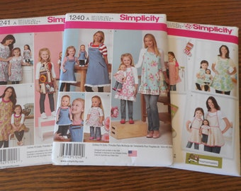 "SIMPLICITY 1936 APRON Misses/' Child /& 18/"" Doll APRONS /& STOCKINGS PATTERN UNCUT!"