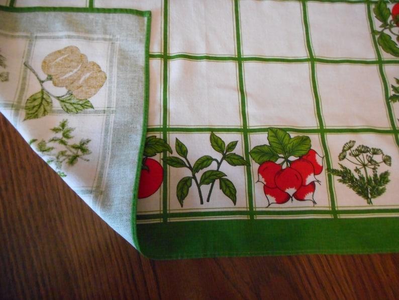 Vintage Table Topper Vegtables