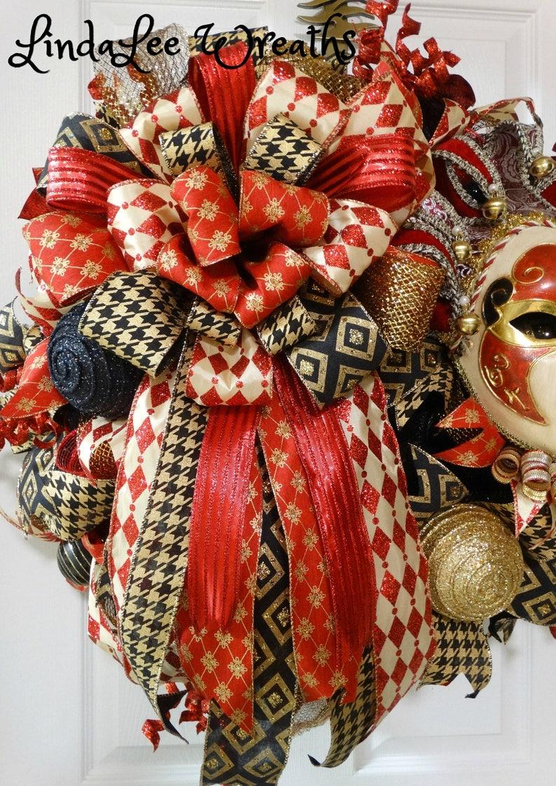 Mardi Gras Wreath in Red Black and Gold; Deco Mesh Wreath; Jester Mask; Mardi Gras Decor; Front Door Wreath; Interior Decor; Fat Tuesday