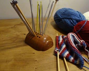 Crochet hook stand