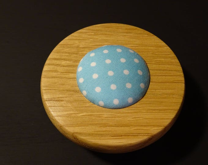 Button jar lid with pincushion
