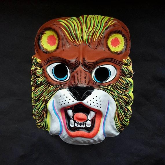 Vintage 1980s Plastic Cartoon British Bull Dog Halloween Animal Mask