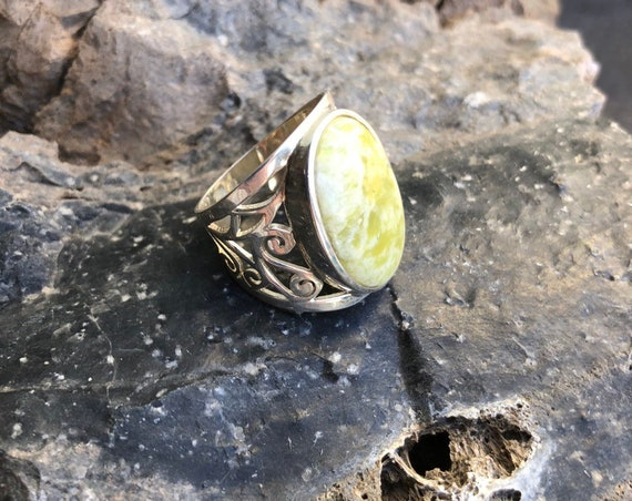 Serpentine & Sterling Silver Filigree Statement Ring