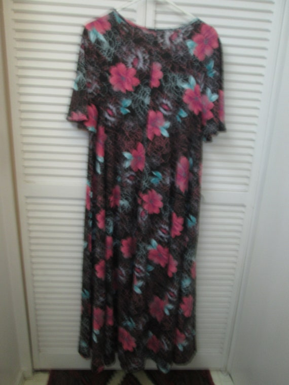 Black and pink floral very full hem angel wing pa… - image 4