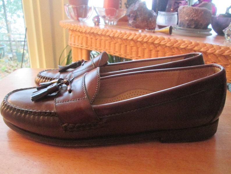 5044d96575c Cole Haan City tassled slip on brown loafer style shoe. Unisex