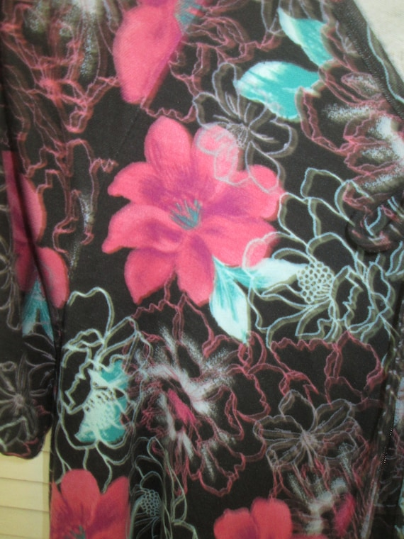 Black and pink floral very full hem angel wing pa… - image 6