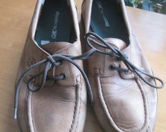 Vintage Mephisto of France walking  boating medium brown leather shoes. Size 9 French walking shoes. Soft leather preppy boater style shoes