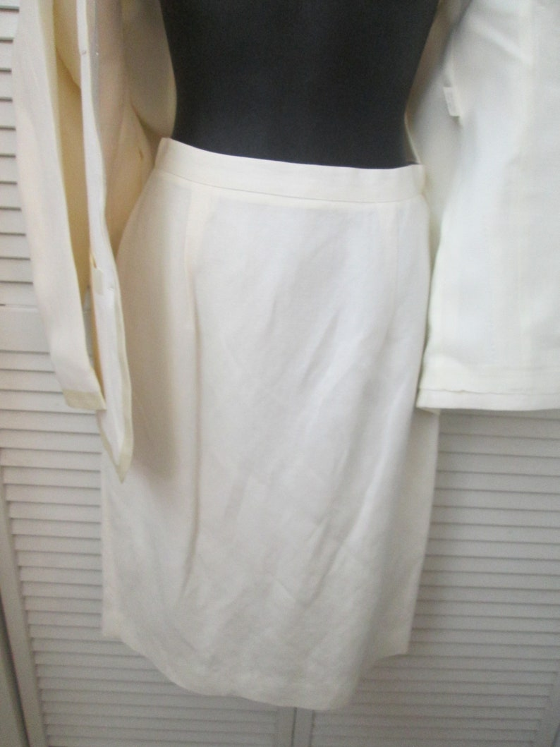 Vintage Ann Taylor made in USA linen blend cream colored 2 piece suit w cream satin trim Courthouse 2nd wedding dressy preppy spring suit