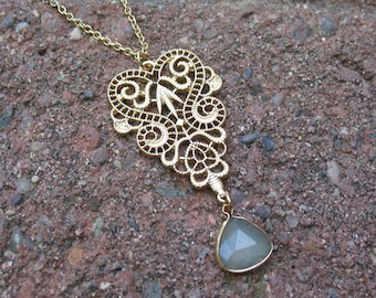 Gold Filigree and Pendant necklace