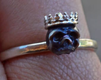 Hand Carved Black Pearl Skull Ring Wearing Sterling Silver Crown on Sterling Silver Band - Halloween Ring - Halloween Jewelry - Unique Gift