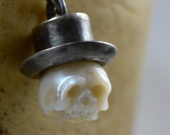 Hand Carved Pearl Skull Wearing Oxidized Sterling Silver SHORT Top Hat - Pearl Necklace - Skull Pearl Pendant - Skull Jewerly - Halloween
