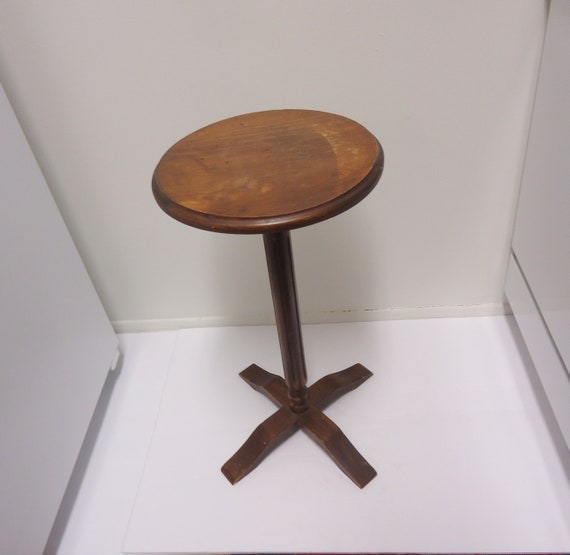 Cool One Legged Wooden Stool Plant Stand Vintage Rustic Primitive Furniture Short Links Chair Design For Home Short Linksinfo