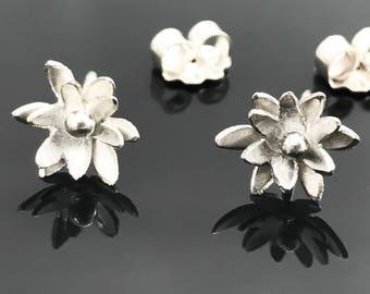 Edelweiss earrings - Silver flower studs - Small flower earrings - Sterling silver flower earrings - Sterling silver edelweiss jewelry